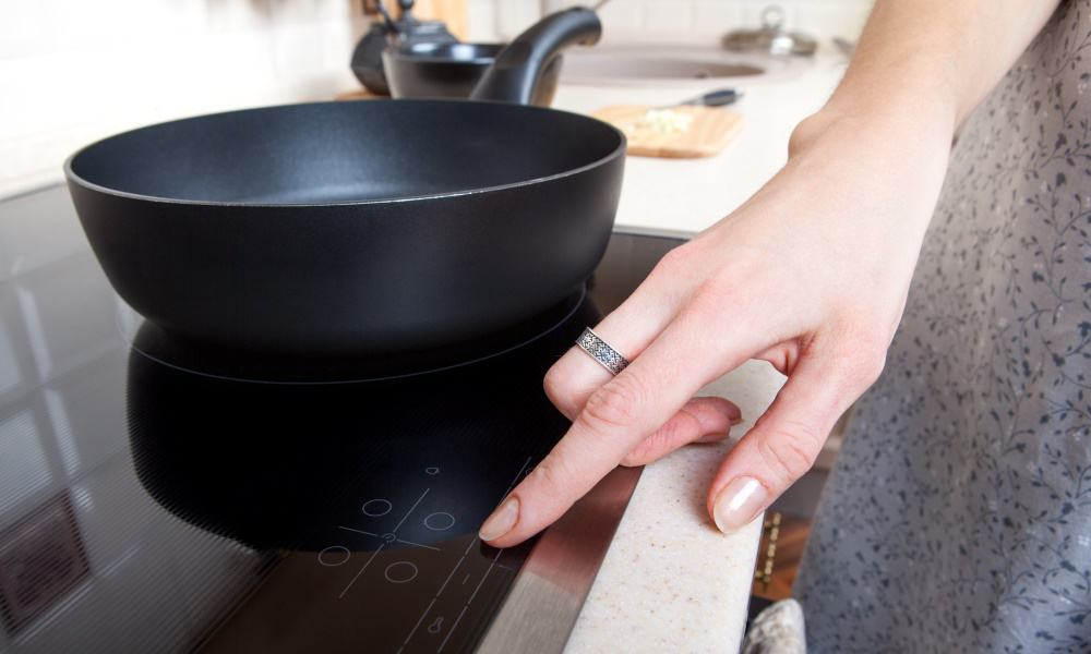 What is the Difference Between Ceramic and Induction Cooktops 3