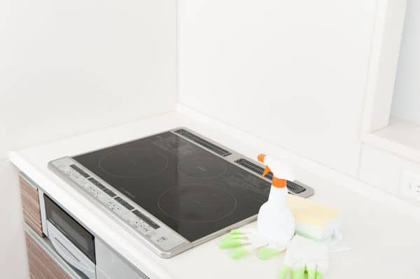 induction cooktop with cleaning tools