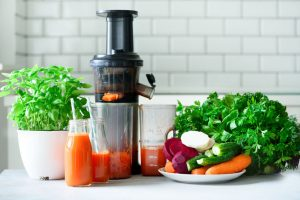 Juicing vs. Blending: What's the Difference?