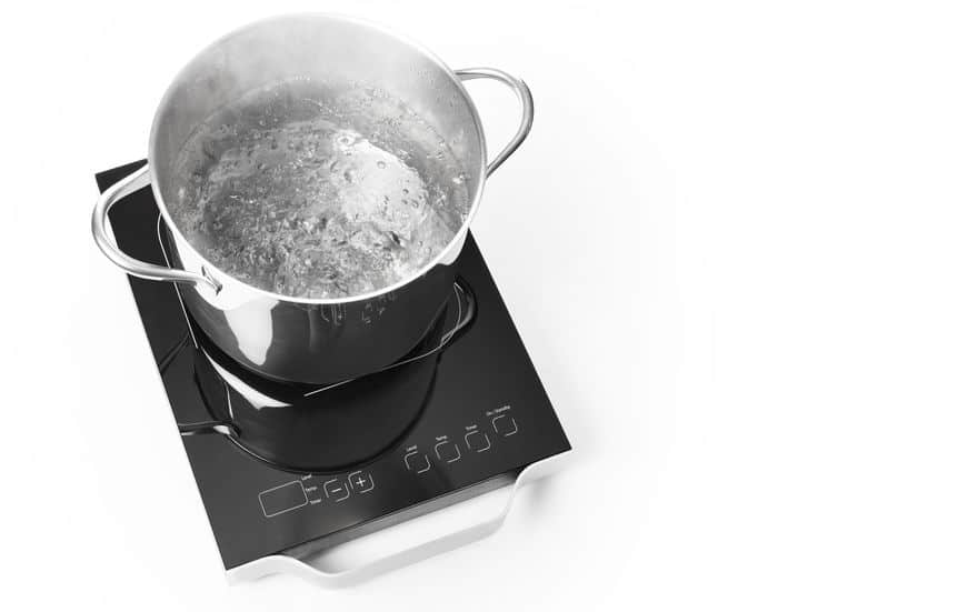 Can Stainless Steel Cookware Be Used on an Induction Cooktop?