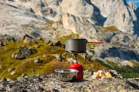 lightweight backpacking stove and gas canister